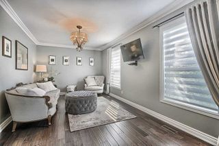 Photo 3: 74 Seaton Dr in Aurora: Aurora Highlands Freehold for sale : MLS®# N4933666