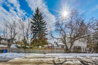 Main Photo: 1706 28 Street SW in Calgary: Shaganappi Detached for sale : MLS®# A1053034