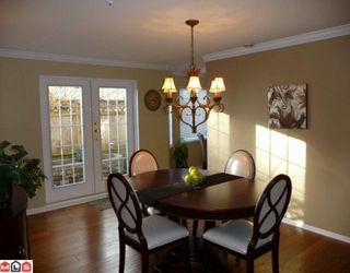 """Photo 2: 101 14934 THRIFT Avenue: White Rock Condo for sale in """"Villa Positano"""" (South Surrey White Rock)  : MLS®# F1004051"""