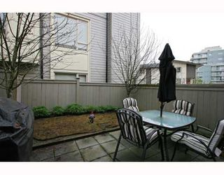 """Photo 10: 10 9229 UNIVERSITY Crescent in Burnaby: Simon Fraser Univer. Townhouse for sale in """"SERENITY"""" (Burnaby North)  : MLS®# V810035"""