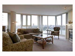 Photo 2: 1202 1383 MARINASIDE Crescent in Vancouver: False Creek North Condo for sale (Vancouver West)  : MLS®# V814667