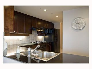 Photo 3: 1202 1383 MARINASIDE Crescent in Vancouver: False Creek North Condo for sale (Vancouver West)  : MLS®# V814667