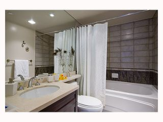 Photo 5: 1202 1383 MARINASIDE Crescent in Vancouver: False Creek North Condo for sale (Vancouver West)  : MLS®# V814667