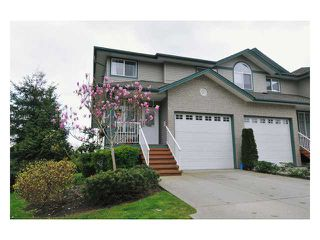 "Photo 1: 24 11358 COTTONWOOD Drive in Maple Ridge: Cottonwood MR Townhouse for sale in ""CARRIAGE LANE"" : MLS®# V820880"