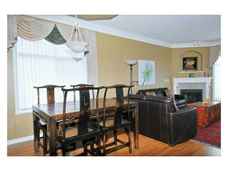 "Photo 3: 24 11358 COTTONWOOD Drive in Maple Ridge: Cottonwood MR Townhouse for sale in ""CARRIAGE LANE"" : MLS®# V820880"