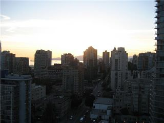 "Photo 1: 2001 1295 RICHARDS Street in Vancouver: Downtown VW Condo for sale in ""OSCAR"" (Vancouver West)  : MLS®# V839014"