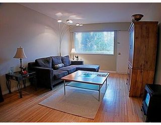 Photo 1: 329 MARATHON Court in Coquitlam: Central Coquitlam Townhouse for sale : MLS®# V759037