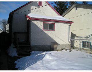 Photo 2: 824 STELLA Avenue in WINNIPEG: North End Residential for sale (North West Winnipeg)  : MLS®# 2904859