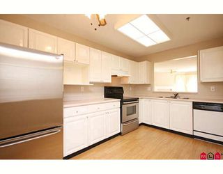 "Photo 2: 109 5955 177B Street in Surrey: Cloverdale BC Condo for sale in ""Windsor Place"" (Cloverdale)  : MLS®# F2916723"