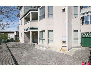"""Photo 10: 109 5955 177B Street in Surrey: Cloverdale BC Condo for sale in """"Windsor Place"""" (Cloverdale)  : MLS®# F2916723"""