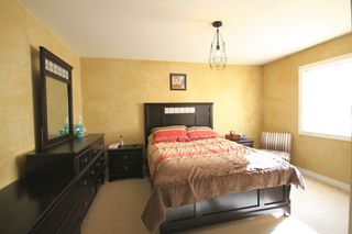Photo 7: 75 Southpark Drive in Niverville: R07 Residential for sale : MLS®# 1924397