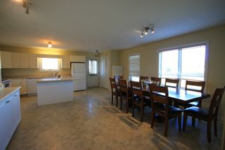 Photo 3: 75 Southpark Drive in Niverville: R07 Residential for sale : MLS®# 1924397