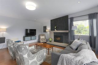 Photo 5: 1845 SUTHERLAND Avenue in North Vancouver: Boulevard House for sale : MLS®# R2403280