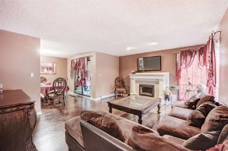 "Photo 7: 10594 HOLLY PARK Lane in Surrey: Guildford Townhouse for sale in ""Holly Park"" (North Surrey)  : MLS®# R2413276"