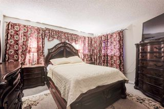 "Photo 15: 10594 HOLLY PARK Lane in Surrey: Guildford Townhouse for sale in ""Holly Park"" (North Surrey)  : MLS®# R2413276"