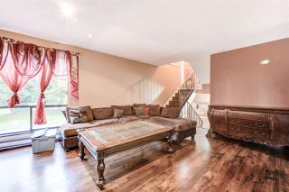 "Photo 6: 10594 HOLLY PARK Lane in Surrey: Guildford Townhouse for sale in ""Holly Park"" (North Surrey)  : MLS®# R2413276"