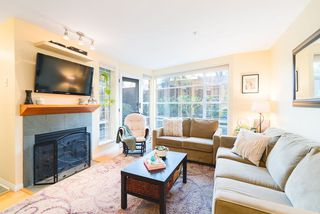 Main Photo: 102 2555 W 4TH Avenue in Vancouver: Kitsilano Condo for sale (Vancouver West)  : MLS®# R2447569