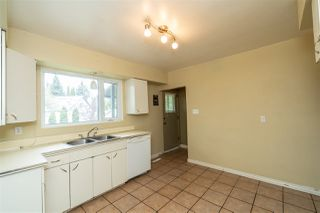Photo 10: 14716 88 Avenue NW in Edmonton: Zone 10 House for sale : MLS®# E4198066