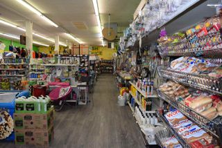 Photo 3: 1429 CARIBOO HWY in No City Value: FVREB Out of Town Business with Property for sale : MLS®# C8024040