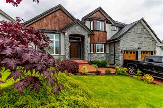 Photo 1: 27051 26 Avenue in Langley: Aldergrove Langley House for sale : MLS®# R2466593
