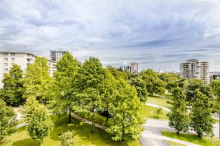"""Photo 15: 601 701 W VICTORIA Park in North Vancouver: Central Lonsdale Condo for sale in """"GATEWAY"""" : MLS®# R2474019"""