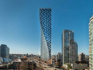 """Photo 2: 808 1351 CONTINENTAL Street in Vancouver: Downtown VW Condo for sale in """"MADDOX"""" (Vancouver West)  : MLS®# R2487388"""