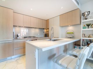 """Photo 1: 808 1351 CONTINENTAL Street in Vancouver: Downtown VW Condo for sale in """"MADDOX"""" (Vancouver West)  : MLS®# R2487388"""