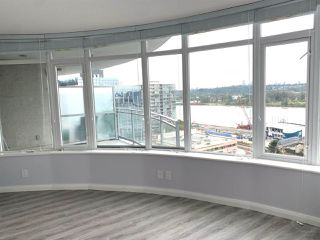 Photo 4: 1801 888 CARNARVON Street in New Westminster: Downtown NW Condo for sale : MLS®# R2502216