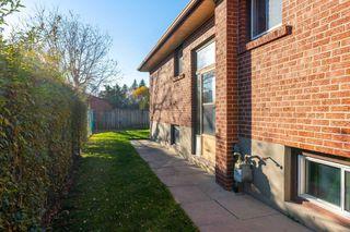Photo 17: 62 Edmonton Road in Toronto: Pleasant View House (Bungalow) for sale (Toronto C15)  : MLS®# C4991814