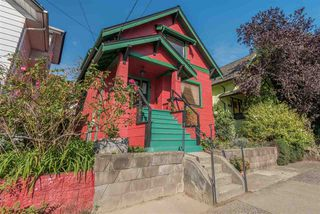 "Photo 2: 769 E KING EDWARD Avenue in Vancouver: Fraser VE House for sale in ""Fraser"" (Vancouver East)  : MLS®# R2518920"