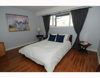 Photo 6: 1017 E 11TH Avenue in Vancouver: Mount Pleasant VE House 1/2 Duplex for sale (Vancouver East)  : MLS®# V789077