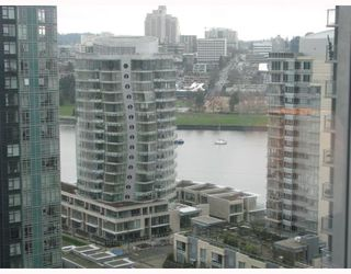 "Photo 8: 2101 1438 RICHARDS Street in Vancouver: False Creek North Condo for sale in ""AZUR 1"" (Vancouver West)  : MLS®# V808146"