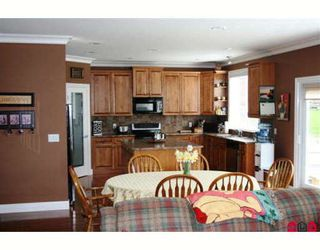 """Photo 2: 35362 MCKINLEY Drive in Abbotsford: Abbotsford East House for sale in """"SANDYHILL"""" : MLS®# F2908722"""