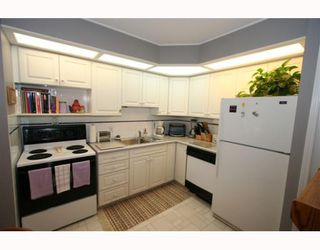 Photo 10: 21 643 4 Avenue NE in CALGARY: Bridgeland Townhouse for sale (Calgary)  : MLS®# C3388435