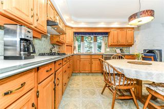 Photo 5: 56 QUESNELL Road in Edmonton: Zone 22 House for sale : MLS®# E4167812