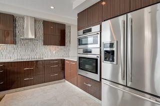 Photo 12: 904 11969 JASPER Avenue in Edmonton: Zone 12 Condo for sale : MLS®# E4187585