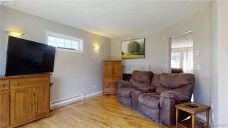 Photo 10: 214 Flicker Lane in VICTORIA: La Florence Lake Single Family Detached for sale (Langford)  : MLS®# 838008