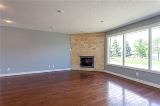 Photo 6: 3216 Rundleside Drive NE in Calgary: Rundle Detached for sale : MLS®# C4303077