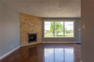 Photo 8: 3216 Rundleside Drive NE in Calgary: Rundle Detached for sale : MLS®# C4303077