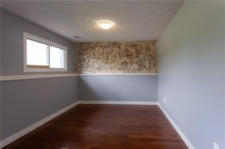 Photo 16: 3216 Rundleside Drive NE in Calgary: Rundle Detached for sale : MLS®# C4303077