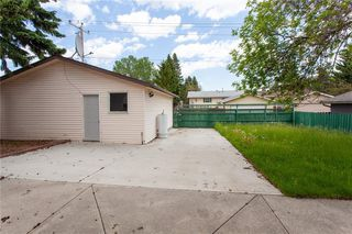 Photo 23: 3216 Rundleside Drive NE in Calgary: Rundle Detached for sale : MLS®# C4303077