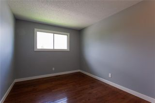 Photo 13: 3216 Rundleside Drive NE in Calgary: Rundle Detached for sale : MLS®# C4303077