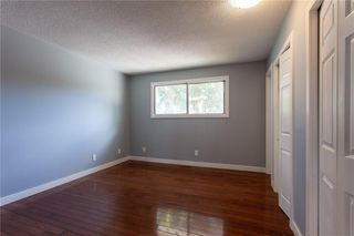 Photo 11: 3216 Rundleside Drive NE in Calgary: Rundle Detached for sale : MLS®# C4303077
