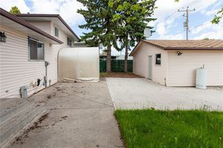 Photo 25: 3216 Rundleside Drive NE in Calgary: Rundle Detached for sale : MLS®# C4303077
