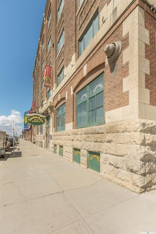 Main Photo: 203 2206 Dewdney Avenue in Regina: Warehouse District Commercial for sale : MLS®# SK827884