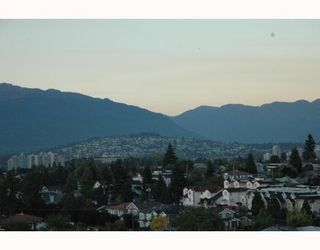 """Photo 3: 1810 3663 CROWLEY Drive in Vancouver: Collingwood VE Condo for sale in """"LATTITUDE"""" (Vancouver East)  : MLS®# V789342"""