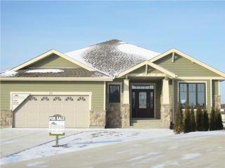 Photo 1: 111 Wood Sage Crescent in WINNIPEG: Windsor Park / Southdale / Island Lakes Residential for sale (South East Winnipeg)  : MLS®# 2950478