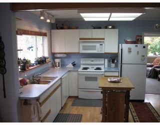 Photo 2: 999 REED Road in Gibsons: Gibsons & Area House for sale (Sunshine Coast)  : MLS®# V752207