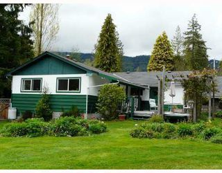 Photo 1: 999 REED Road in Gibsons: Gibsons & Area House for sale (Sunshine Coast)  : MLS®# V752207