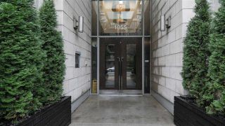 """Main Photo: 906 1055 RICHARDS Street in Vancouver: Downtown VW Condo for sale in """"Donovan"""" (Vancouver West)  : MLS®# R2414074"""